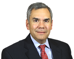 Financial Advisor Manuel Carvallo