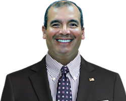 Financial Advisor Marc Hernandez
